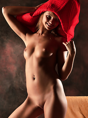 Just-Nude  Oksana  Softcore, Erotic, Model